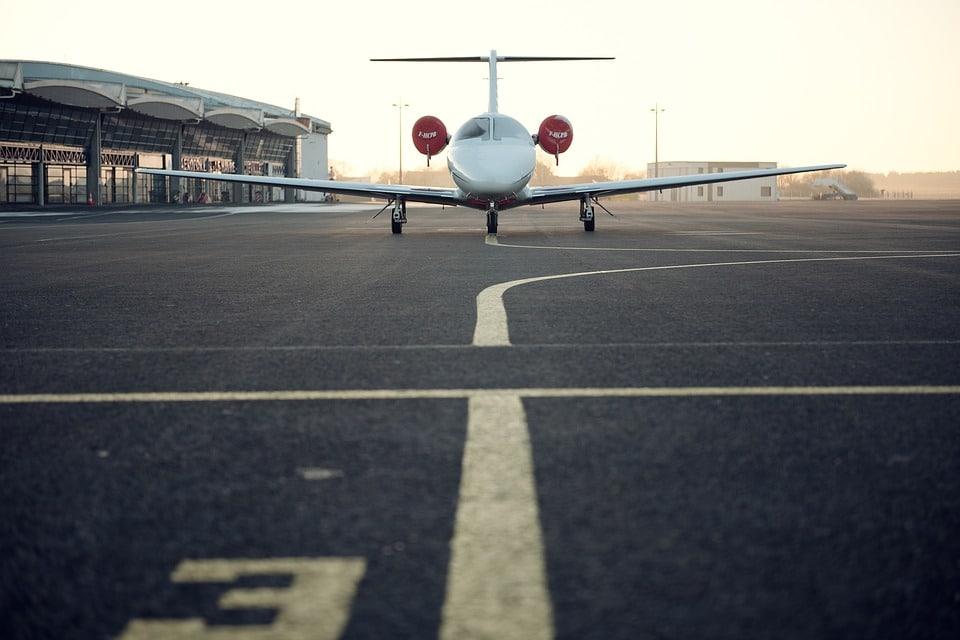 Crise sanitaire: les compagnies aériennes doivent respecter la loi!